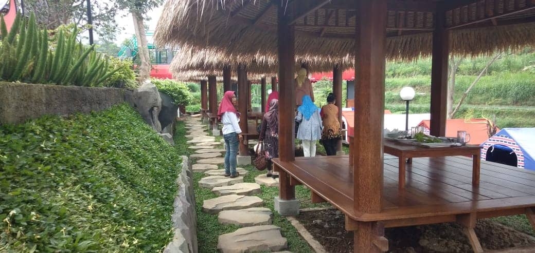 Omah Simbok Resto di Karanganyar